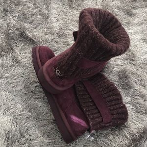 UGG Australia Ankle Boot Size09 colorBurgundy